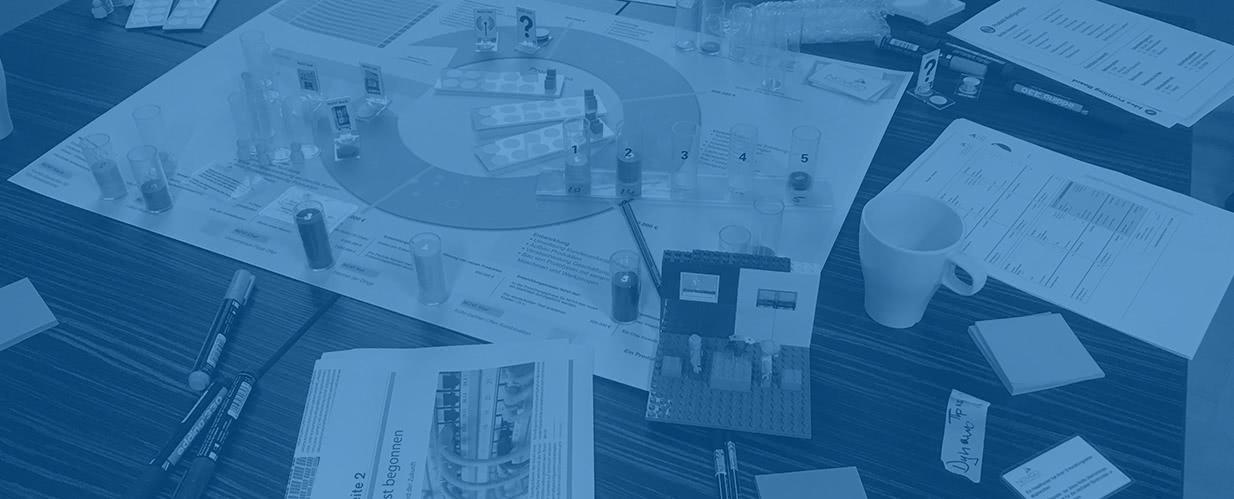 """NOVIGO ist eine wettbewerbsorientierte Business Simulation für Innovation die auf den täglichen """"Ernstfall"""" vorbereitet und in agilen Methoden und Strategie trainiert."""